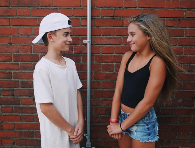 mackenzie ziegler and johnny orlando