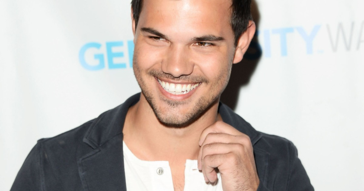 Taylor Lautner Girlfriend: A Guide to All the Girl's He's ...