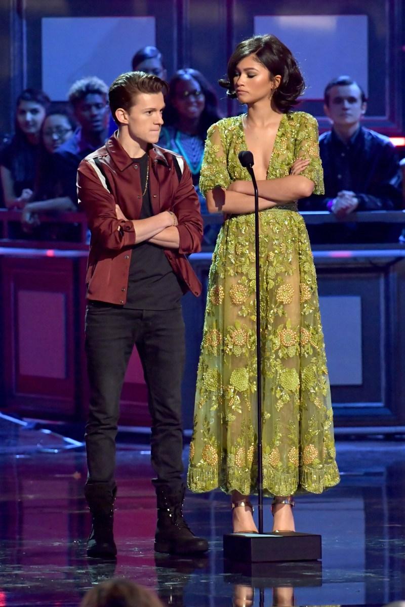 Zendaya Height How Tall is The Greatest Showman Actress