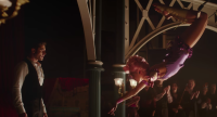 zac-zendaya-greatest-showman-scene