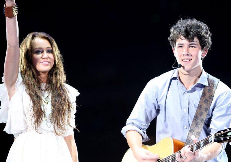 Miley cyrus dating nick hawaii dating websites
