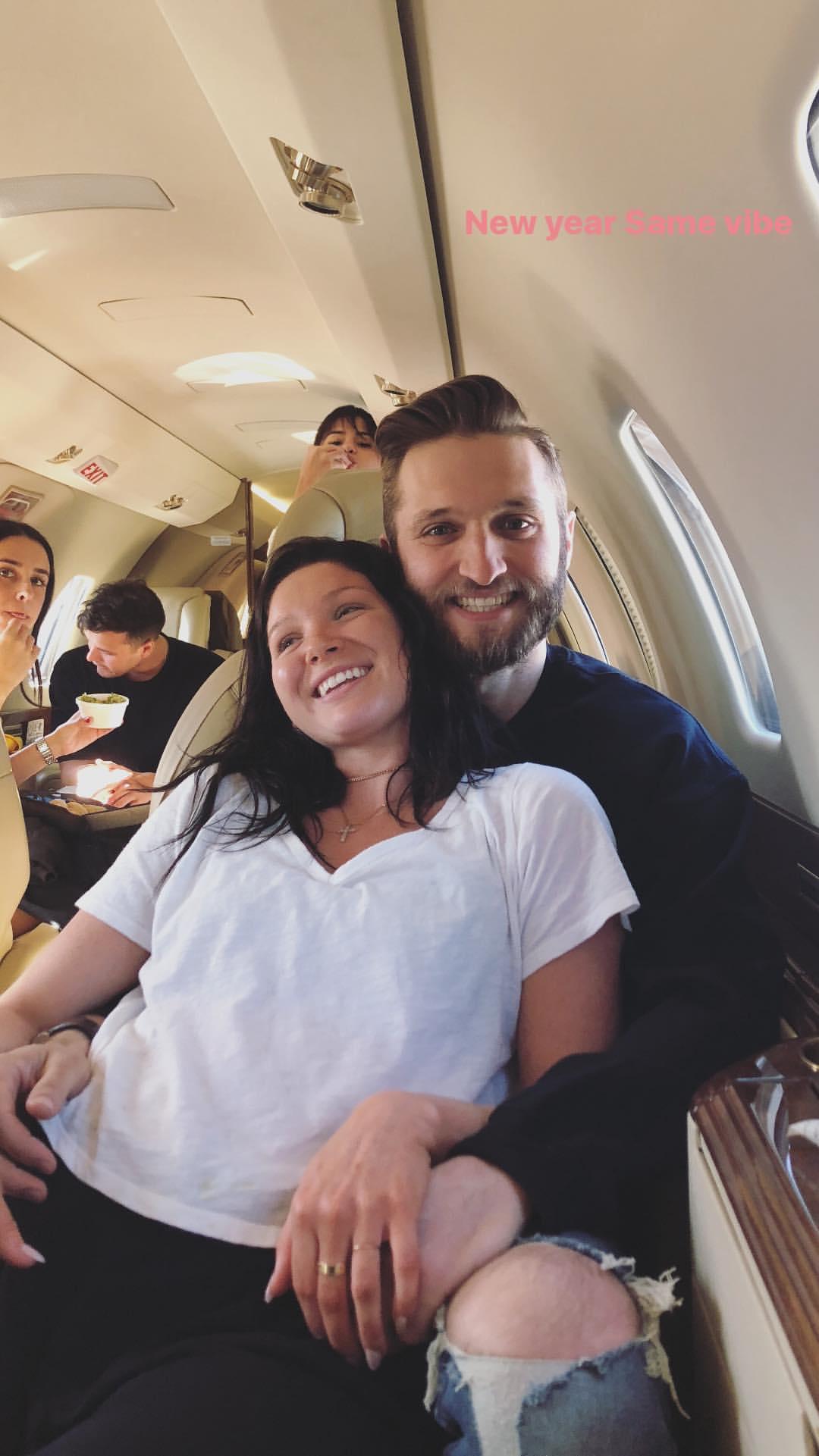 selena gomez friends plane