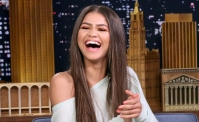 zendaya-laughing