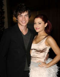 ariana-grande-graham-phillips