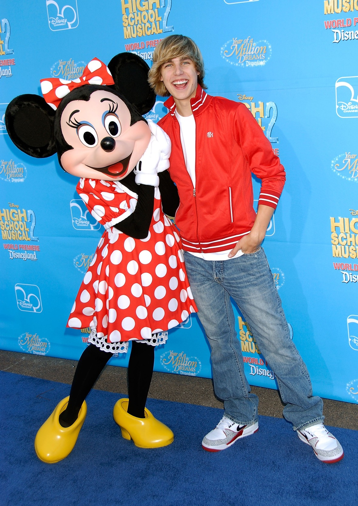 cody linley minnie mouse hsm 2 premiere