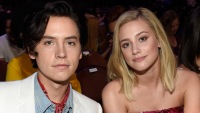 cole-sprouse-lili-reinhart-12