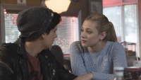 jughead-betty-cooper-ponytail