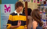 Noah Centineo Austin & Ally