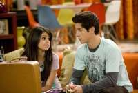selena-gomez-david-henrie-wizards-of-waverly-place