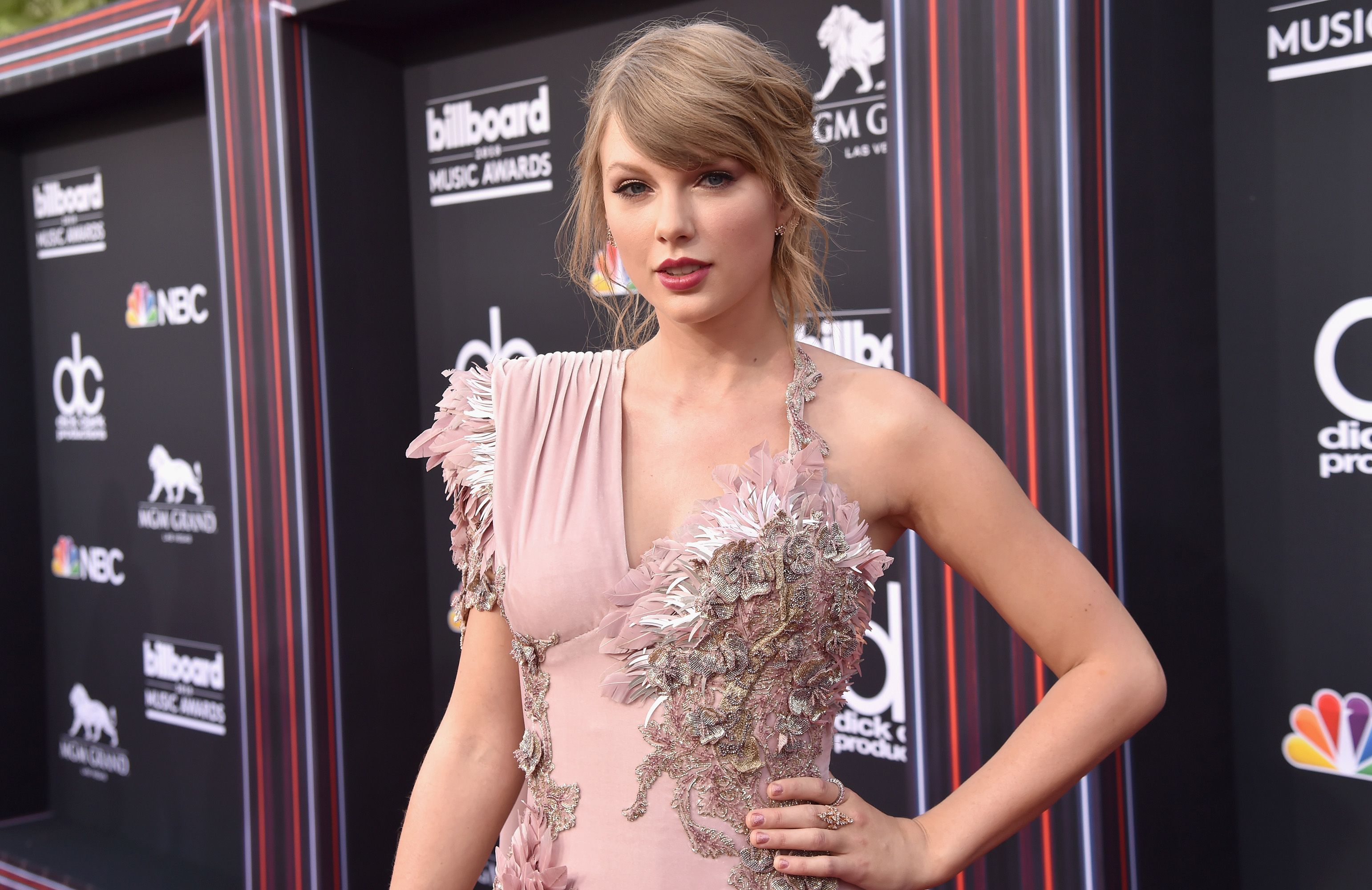 taylor-swift-all-too-well-8