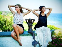 taylor-swift-selena-gomez-mermaids