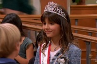 victoria-justice-suite-life-kiss