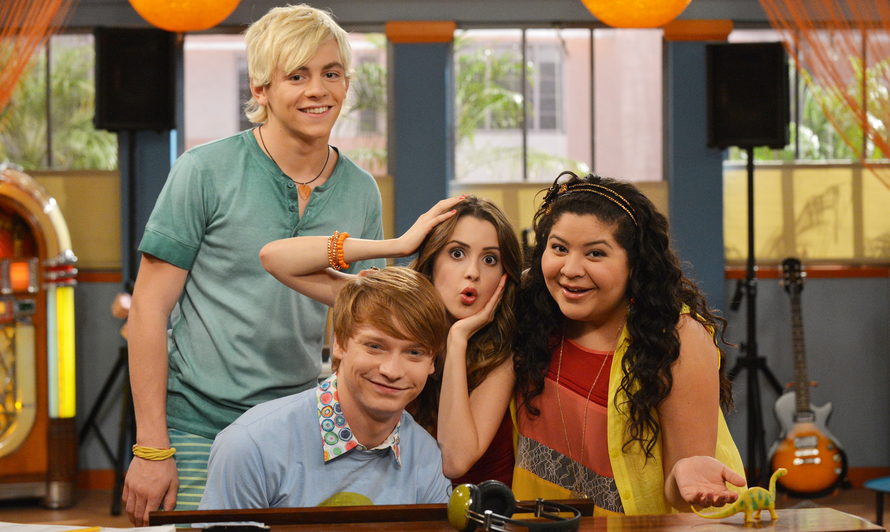 Is austin moon and ally dawson dating in real life