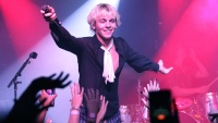 Ross Lynch Singing