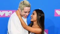 Ariana-Grande-and-Pete-Davidson