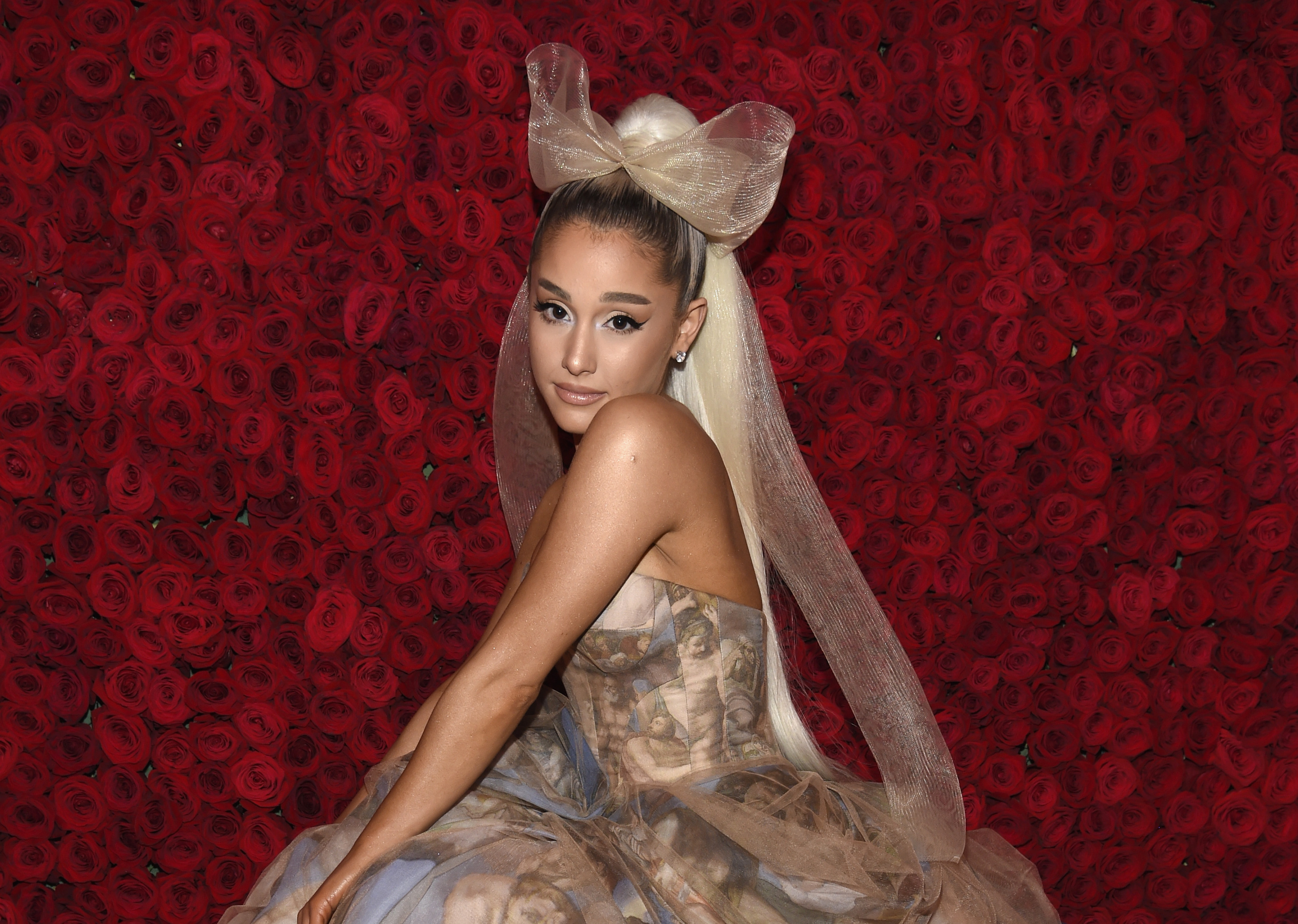 Who is ariana grande dating wdw reservations