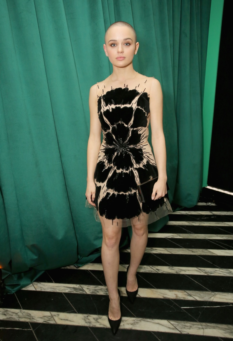 Joey King Airplane Passenger Thought She Had Cancer