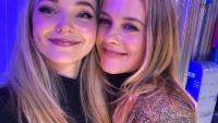 Dove Cameron Alicia Silverstone cher clueless selfie
