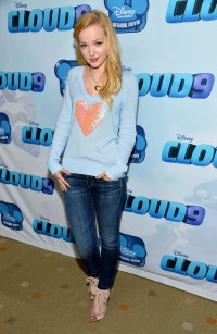 cloud-9-premiere-dove-cameron-2013