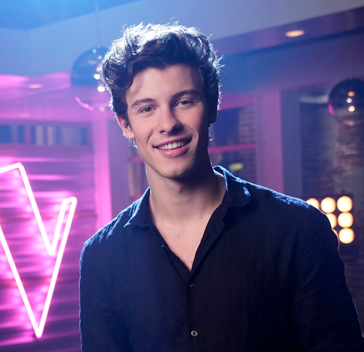 Shawn Mendes Girlfriend: A Breakdown of the Singer's Love Life