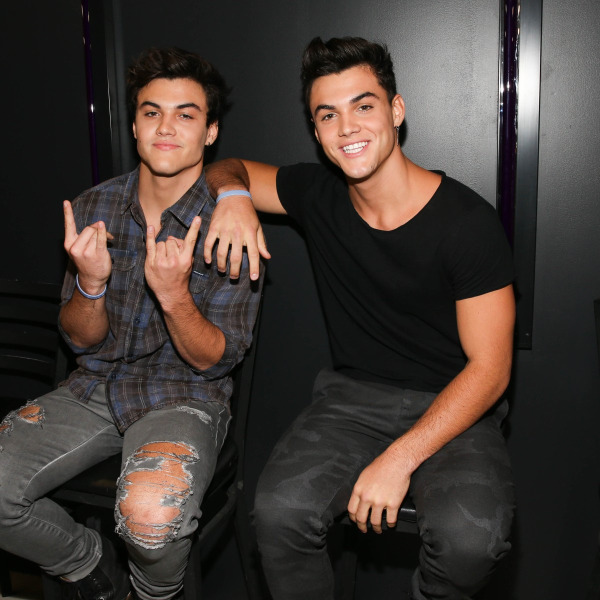 Dolan Twins' Love Life: Psychics Reveal Future Wives and Kids