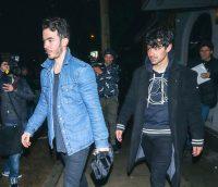 Kevin & Joe Jonas