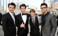 Jonas Brothers & Justin Bieber