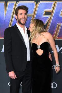 Miley Cyrus Licks Liam Hemsworth