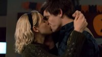 Ross Lynch Kiernan Shipka Kiss