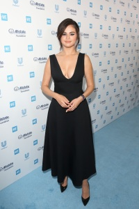 selena-gomez-weday-california