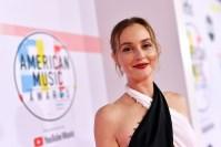Leighton-Meester-american-music-awards-2018-red-carpet