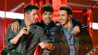jonas-brothers-book