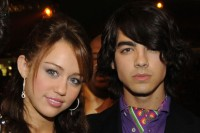 miley-cyrus-joe-jonas-jonas-brothers-disney-channel