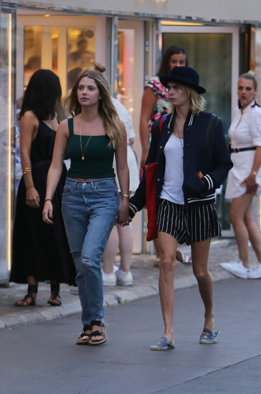 Ashley Benson Cara Delevingne Engaged
