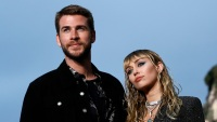liam-hemsworth-files-divorce-miley-cyrus
