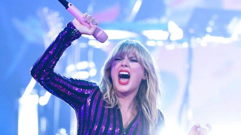 Taylor Swift Lover hidden Messages