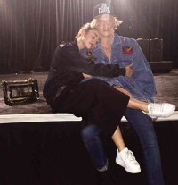 miley-cyrus-cody-simpson-relationship-guide-08