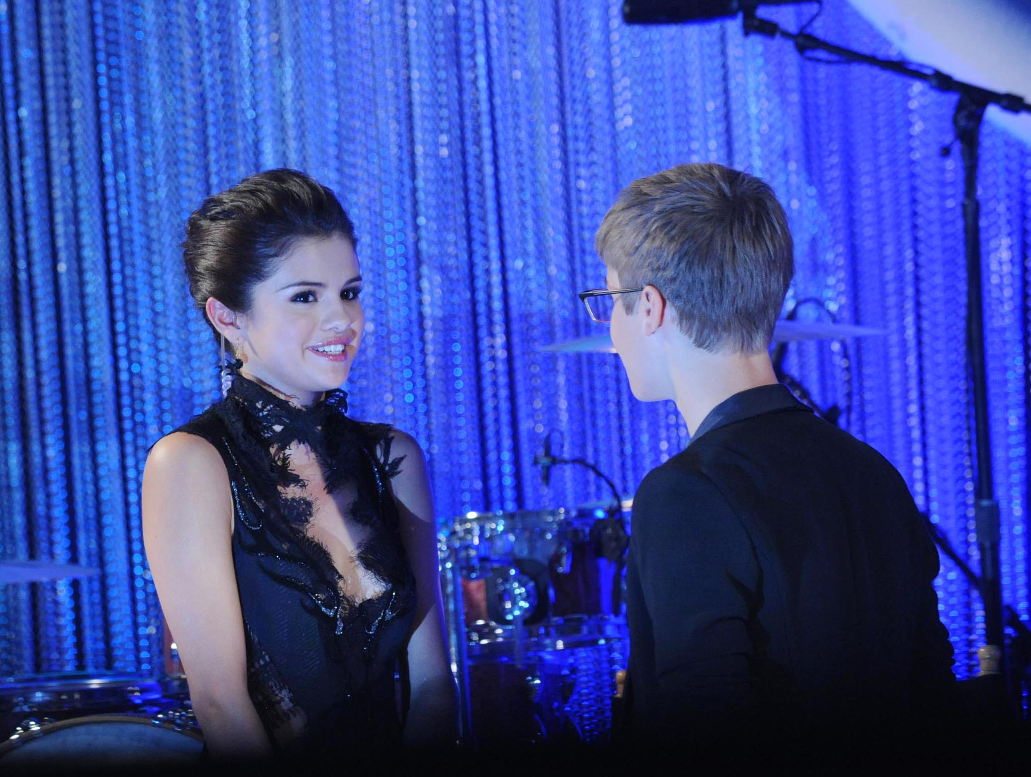 som är Selena Gomez dating april 2015