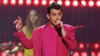 Joe Jonas Sings Taylor Swift's Lover