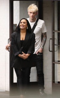 *PREDemi Lovato & Machine Gun Kelly Spark Dating Rumors After Leaving A Club TogetherMIUM EXCLUSIVE* Demi Lovato and Machine Gun Kelly have sparked romance rumors after they were spotted leaving Soho House, in LA, together