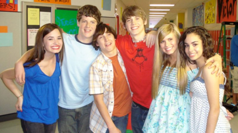 'As the Bell Rings' Cast: Where Are They Now?