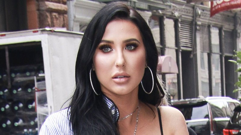 Jaclyn Hill Not Happy After Eyeshadow Palette Leaks