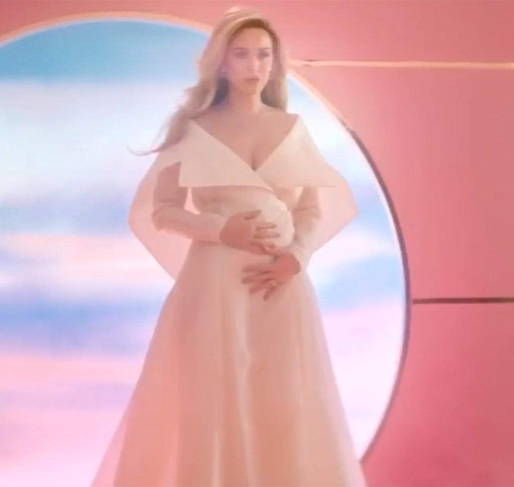 Katy Perry Pregnant Photos Baby Bump