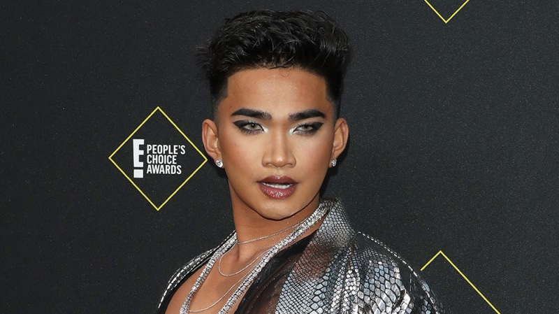 YouTuber Bretman Rock Threatens To Call Police On Fans Showing Up At His House