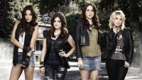 All The Behind-The-Scenes Secrets And Tea That The 'Pretty Little Liars' Cast Spilled During Their Virtual Reunion
