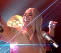 Demi Lovato Blonde Wig