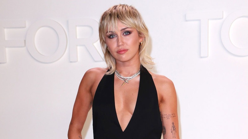 Miley Cyrus Explains How She Deals With Heartbreak: 'Try Not To Get Lost In Emotion'