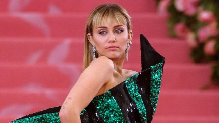Miley Cyrus Has The Best Reaction After 2009 Song 'When I Look At You' Reenters Music Charts