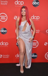 2020 American Music Awards Red Carpet: See the Best and Worst Red Carpet Looks