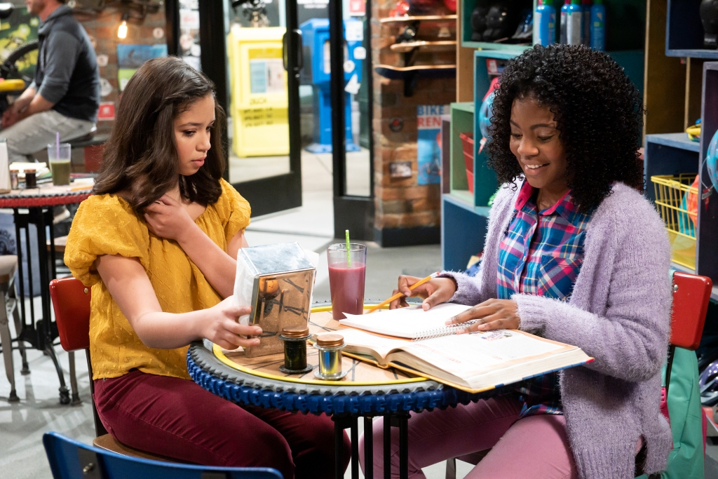 Exclusive First Look: Sydney Discusses Her Natural Hair With Grandma Maya in 'Sydney to the Max' Sneak Peek